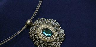 Biżuteria na święta - kiedy najlepiej ją zakupić?